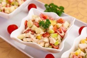 Салат с сельдереем, яблоком и куриным филе - 9