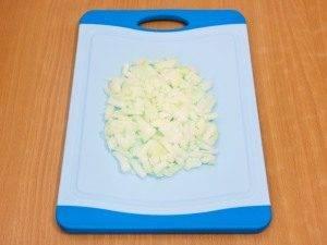 Салат с сельдереем, яблоком и куриным филе - 2