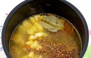 Постный суп из гречки в мультиварке - 3
