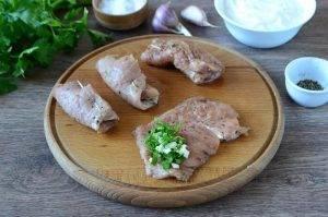 Свиные рулетики в сметанном соусе - 4