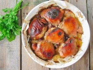 Куриные бедра, запеченные с яблоками - 4