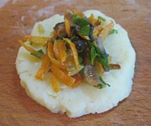 Картофельные зразы с грибами, запеченные в духовке - 6