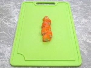 Рулетики из форели с огурцами и сливочным сыром - 2