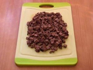 Салат с печенью, маринованными огурцами и сыром - 1