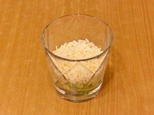 Салат с семгой, авокадо и рисом - 4