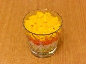 Салат с семгой, авокадо и рисом - 5