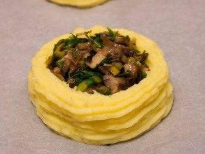 Гнездышки из картофеля с грибами - 4