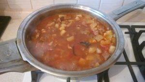 Тушеная говядина с морковью и картофелем - 4
