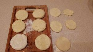 Сырные лепешки - 6