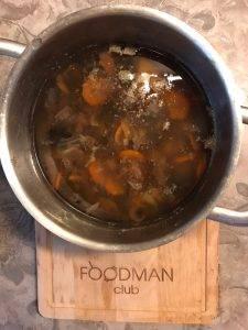 Вегетарианский грибной суп с перловкой - 3
