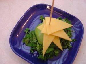 Новогодняя ёлка из сыра - 2