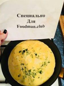 Яичница с кусочками сыра и лука - 5