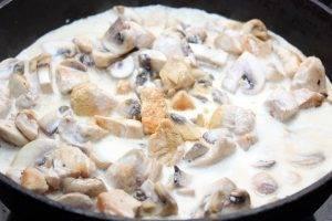 Курица с грибами в сливочном соусе - 3