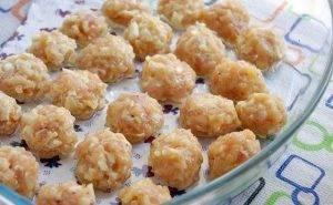 Куриные шарики с кабачком, запеченные в сливках - 0