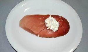 Конусы из ветчины с сыром - 1