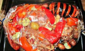 Шейка барашка с овощами в рукаве - 1