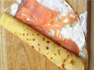 Рулетики с сыром Рикотта и копченым лососем - 1
