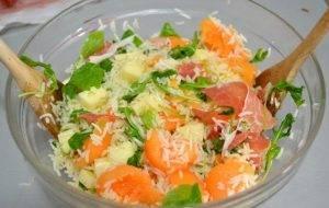 Салат с дыней, сыром и ветчиной - 2