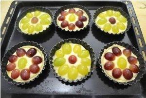 Тарталетки с сыром и виноградом - 3