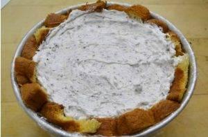 Торт из кекса Пандоро с кремом из сыра и печенья Oreo - 3