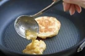 Банановые оладьи на сковороде без муки - 0