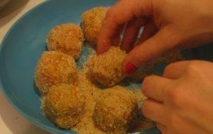 Куриные шарики в панировке с оригинальной подачей - 0