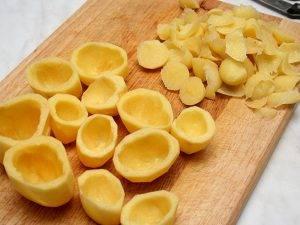 Картофель, фаршированный копченой курицей и овощами - 0