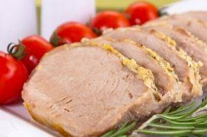 Свинина, запеченная с чесноком - 4