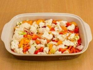 Куриная голень, запеченная с рисом и овощами - 0