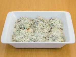 Котлеты, запеченные в духовке под грибным соусом - 7