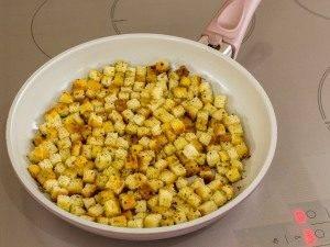 Тыквенный суп-пюре с ароматными сухариками - 6