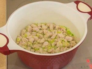 Суп с грибами, куриным филе и сливками - 0