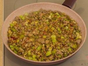 Соус из фарша с фасолью и сельдереем - 6