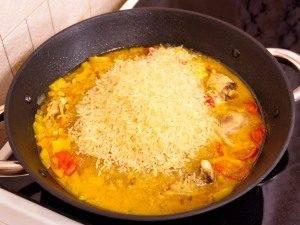Курица, тушенная с рисом и овощами - 3
