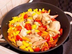 Курица, тушенная с рисом и овощами - 2
