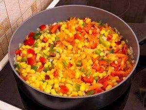 Болгарский перец, жаренный с кукурузой - 3