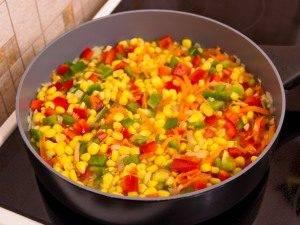 Болгарский перец, жаренный с кукурузой - 4