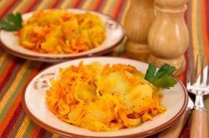 Картофель, обжаренный с луком и морковью - 5