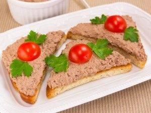 Бутерброды с паштетом из куриной печени - 5