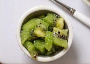 Пюре из авокадо, груши и киви - 1