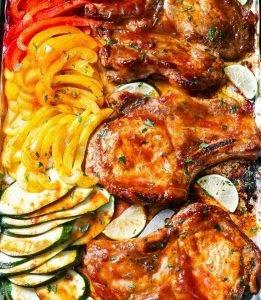 Свинина на косточке с овощами в духовке - 0