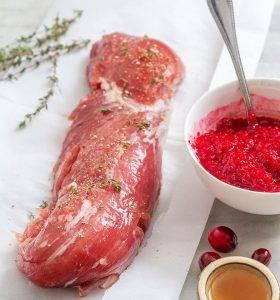 Свиная вырезка в клюквенном соусе - 0