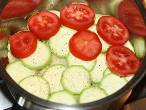 Картофель с овощами и беконом - 1