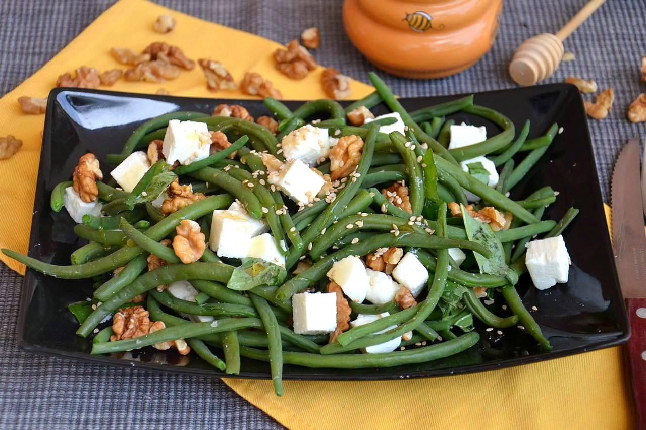 салат из зеленой фасоли с орехами