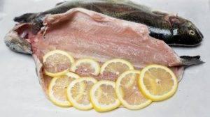 Форель с лимоном в духовке - 1