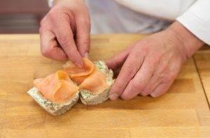 Бутерброды с семгой и сливочным сыром - 1