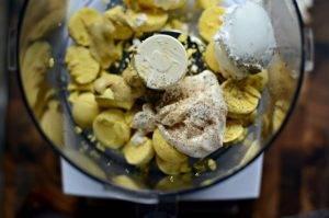 Фаршированные яйца сыром и майонезом - 1