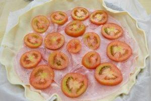 Пирог с ветчиной, помидорами и сыром - 2