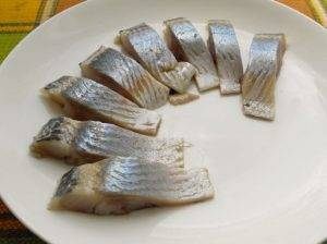 Бутерброды с селедкой и свеклой - 1