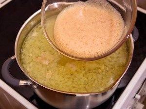 Куриный суп с яичными хлопьями - 4